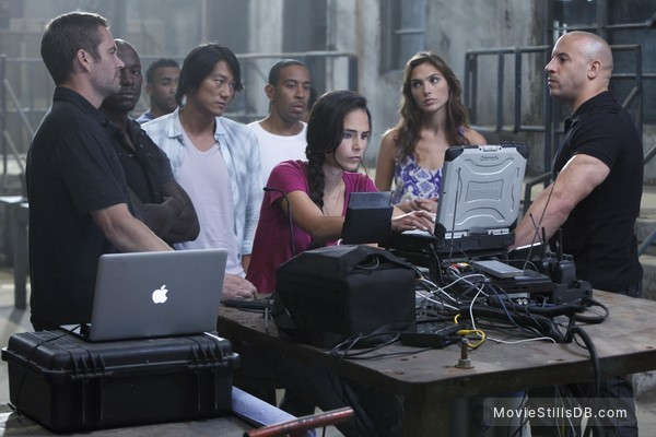 Fast Five - Publicity still of Vin Diesel, Jordana Brewster, Paul Walker, Gal Gadot, Tyrese Gibson, Ludacris, Sung Kang & Michael Irby