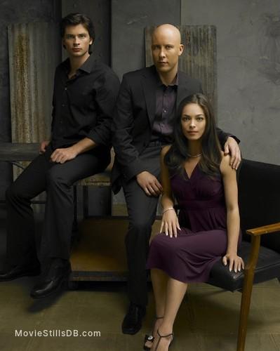 Smallville - Promo shot of Michael Rosenbaum, Tom Welling & Kristin Kreuk