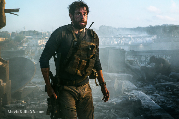 13 Hours: The Secret Soldiers of Benghazi - Publicity still of John Krasinski