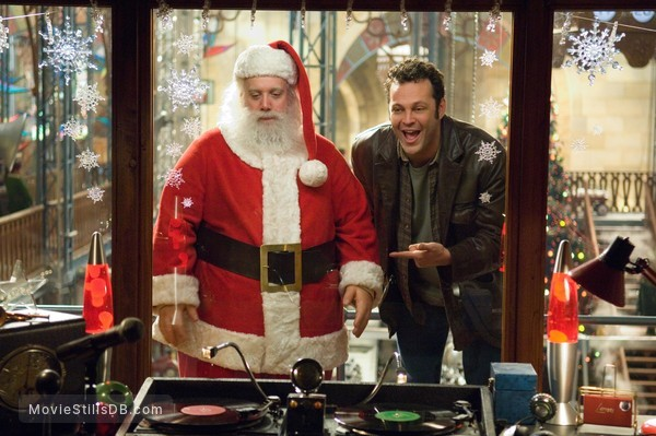 fred claus publicity still of paul giamatti vince vaughn - Vince Vaughn Christmas Movie