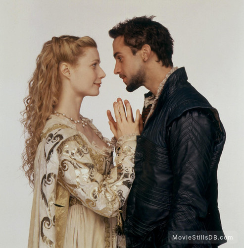 Shakespeare In Love - Promo shot of Gwyneth Paltrow & Joseph Fiennes
