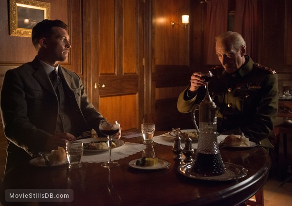 Deadline Gallipoli - Publicity still of Sam Worthington & Charles Dance