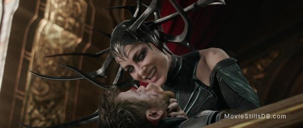 Thor: Ragnarok - Publicity still of Chris Hemsworth & Cate Blanchett