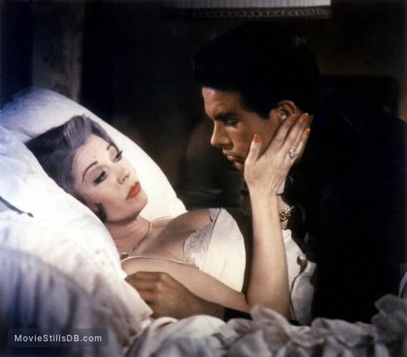 The Roman Spring of Mrs. Stone - Publicity still of Vivien Leigh & Warren Beatty