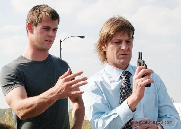 Ca$h - Publicity still of Chris Hemsworth & Sean Bean