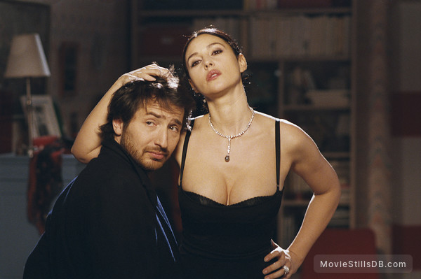 Combien tu m'aimes? - Publicity still of Monica Bellucci & Edouard Baer
