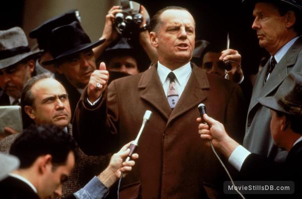Hoffa - Publicity still of Jack Nicholson & Danny DeVito