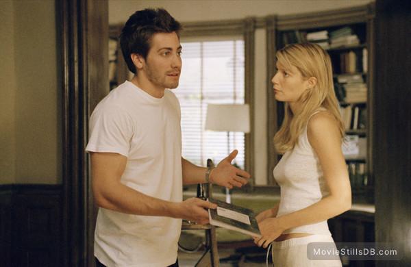 Proof - Publicity still of Gwyneth Paltrow & Jake Gyllenhaal