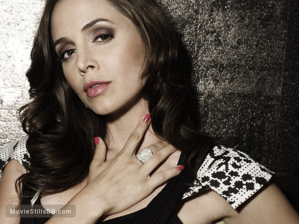 Dollhouse - Promo shot of Eliza Dushku