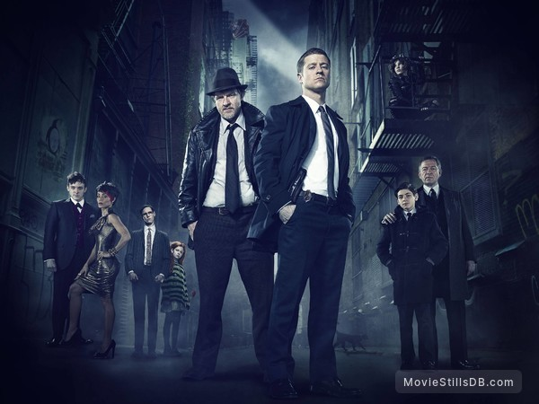 Gotham - Promo shot of Donal Logue, Ben McKenzie, Sean Pertwee, David Mazouz, Robin Taylor, Jada Pinkett Smith, Cory Michael Smith & Clare Foley