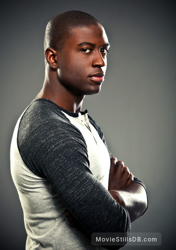 Teen Wolf - Promo shot of Sinqua Walls