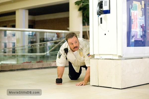 Paul Blart: Mall Cop - Publicity still of Kevin James