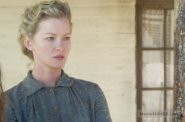 3:10 to Yuma - Publicity still of Gretchen Mol