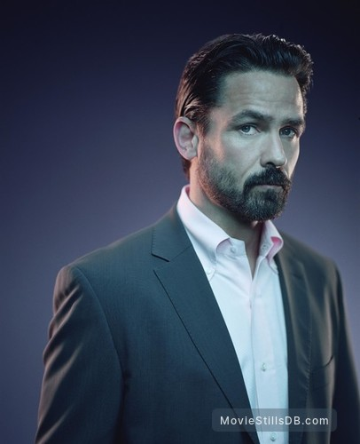 The 4400 - Promo shot of Billy Campbell
