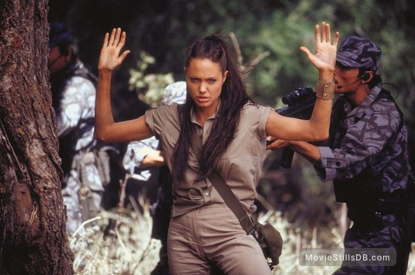 Lara Croft Tomb Raider: The Cradle of Life - Publicity still of Angelina Jolie