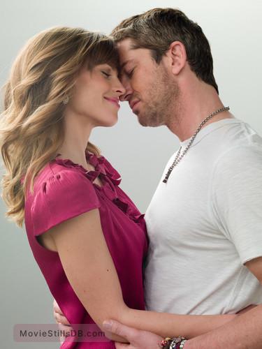 P.S. I Love You - Promo shot of Gerard Butler & Hilary Swank