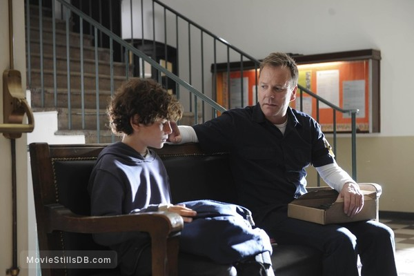 Touch - Publicity still of Kiefer Sutherland & David Mazouz