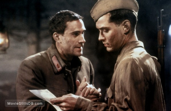 Enemy at the Gates - Publicity still of Jude Law & Joseph Fiennes
