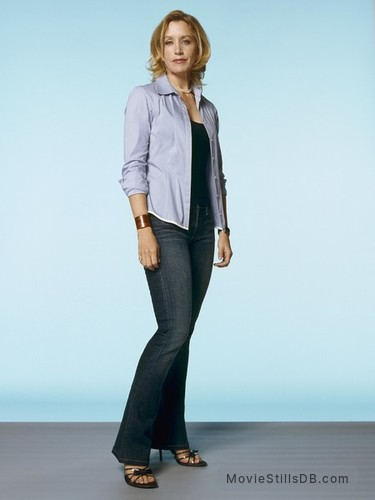 Desperate Housewives - Promo shot of Felicity Huffman