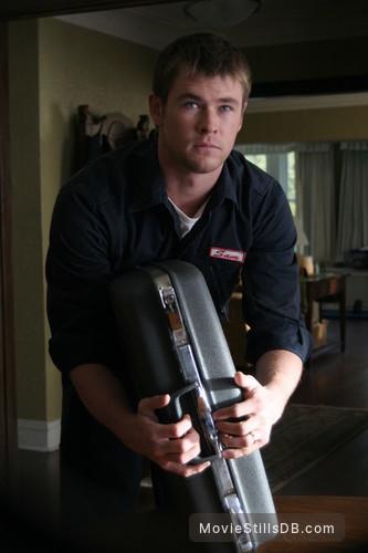 Ca$h - Publicity still of Chris Hemsworth