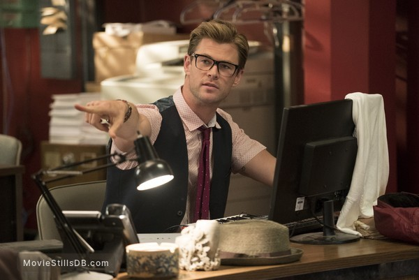 Ghostbusters - Publicity still of Chris Hemsworth