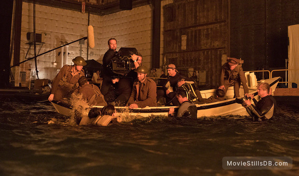 Dunkirk - Behind the scenes photo of Cillian Murphy, Hoyte van Hoytema & Christopher Nolan