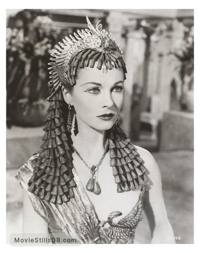 Caesar and Cleopatra - Publicity still of Vivien Leigh