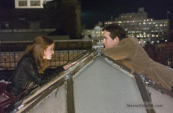 Definitely, Maybe - Publicity still of Isla Fisher & Ryan Reynolds