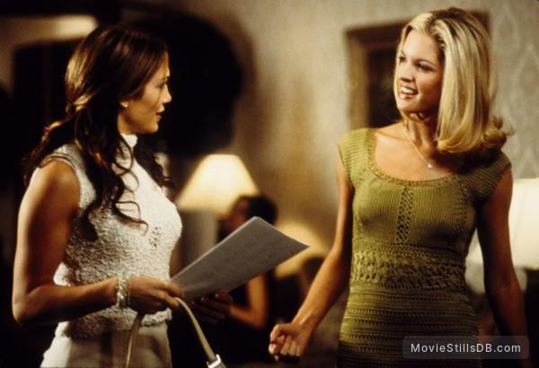 The Wedding Planner - Publicity still of Bridgette Wilson & Jennifer Lopez