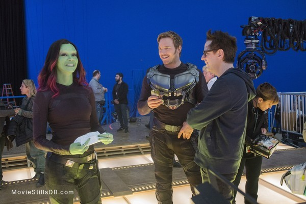 Guardians of the Galaxy Vol. 2 - Behind the scenes photo of Zoe Saldana, Chris Pratt & James Gunn