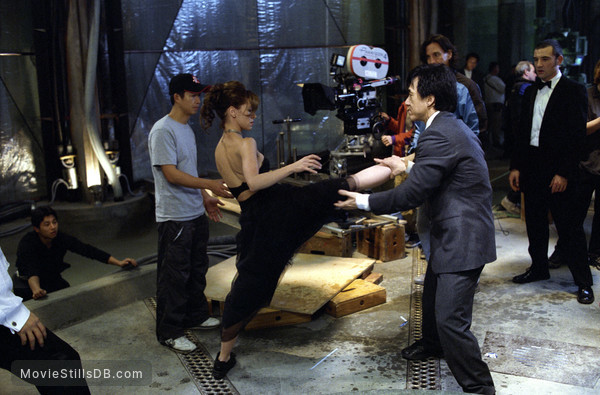 The Tuxedo - Behind the scenes photo of Jackie Chan, Jennifer Love Hewitt & Ritchie Coster