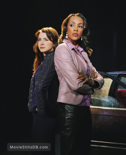 1-800-Missing - Promo shot of Vivica A. Fox & Caterina Scorsone
