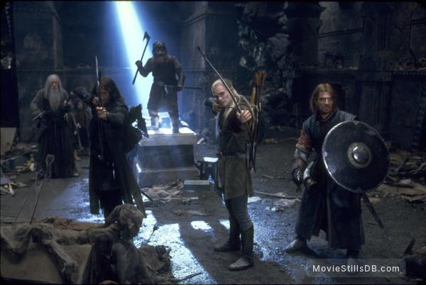 The Lord of the Rings: The Fellowship of the Ring - Publicity still of Ian McKellen, Viggo Mortensen, Orlando Bloom & Sean Bean