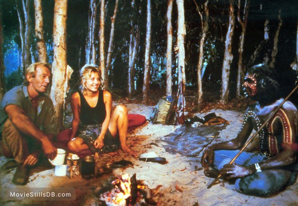 Crocodile Dundee - Publicity still of Paul Hogan, Linda Kozlowski & David Gulpilil