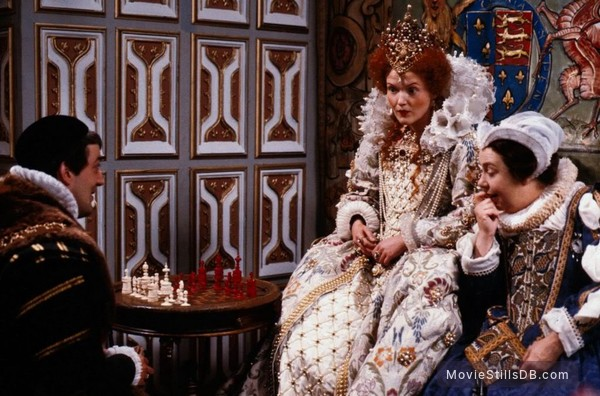 The Black Adder - Publicity still of Stephen Fry, Miranda Richardson & Patsy Byrne