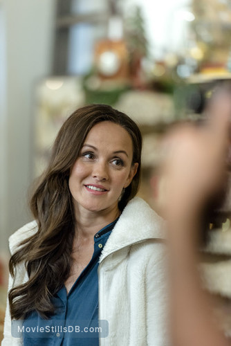Hearts Of Christmas.Hearts Of Christmas Publicity Still Of Crystal Lowe