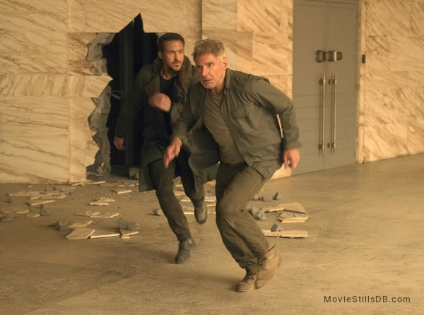 Blade Runner 2049 - Publicity still of Ryan Gosling & Harrison Ford