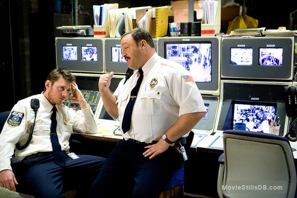 Paul Blart: Mall Cop - Publicity still of Kevin James & Keir O'Donnell