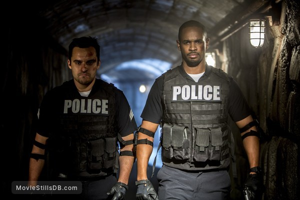Let's Be Cops - Publicity still of Jake Johnson & Damon Wayans Jr.