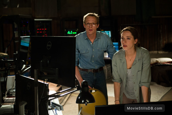 Transcendence - Publicity still of Paul Bettany & Rebecca Hall