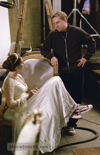 ella enchanted behind the scenes