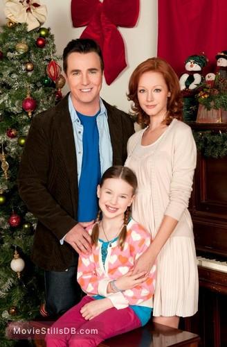Christmas Magic - Promo shot of Lindy Booth & Paul McGillion