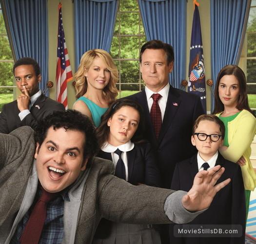 1600 Penn - Promo shot of Bill Pullman, Jenna Elfman, Martha MacIsaac, Josh Gad, André Holland, Benjamin Stockham & Amara Miller