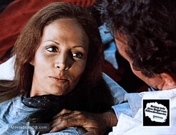 Bring Me the Head of Alfredo Garcia - Lobby card with Isela Vega & Warren Oates