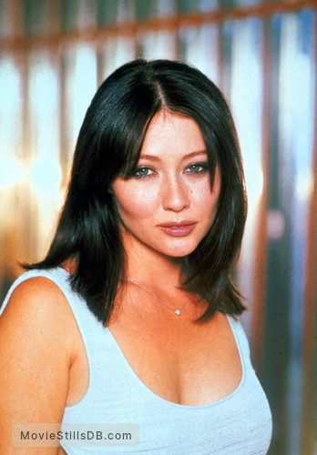 Charmed - Promo shot of Shannen Doherty