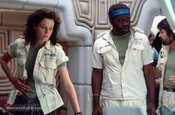 Alien - Publicity still of Sigourney Weaver, Tom Skerritt & Yaphet Kotto