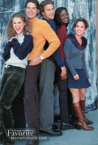 Felicity - Promo shot of Scott Speedman, Amy Jo Johnson, Keri Russell, Scott Foley & Tangi Miller