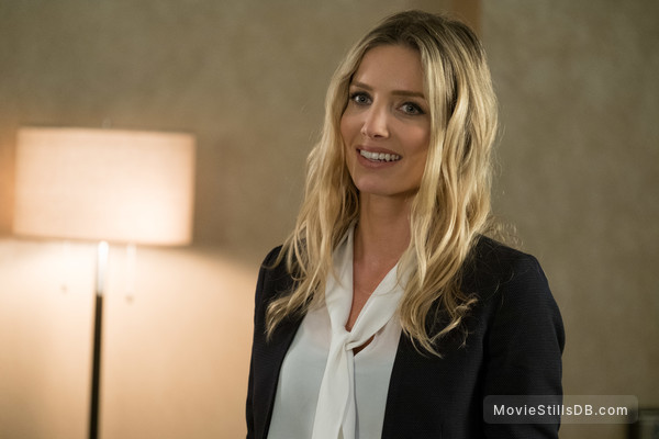 Tag - Publicity still of Annabelle Wallis