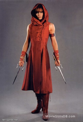 Elektra - Promo shot of Jennifer Garner