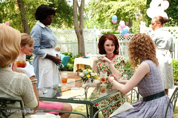 The Help - Publicity still of Emma Stone, Bryce Dallas Howard & Viola Davis